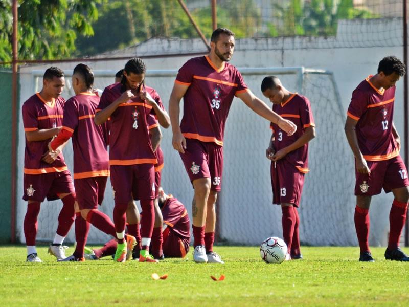 Técnico Julinho Camargo sinaliza mudanças no Boa Esporte para confronto com o Oeste