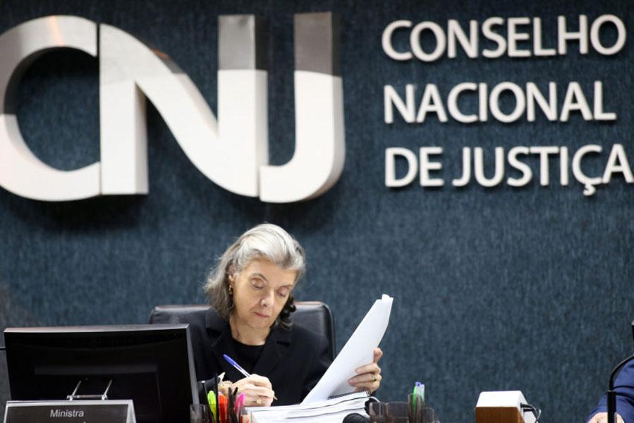 Com supersalários, CNJ não tira do papel investigação sobre o teto de juízes