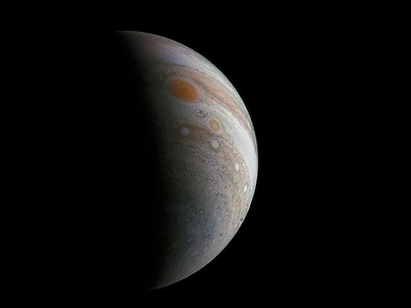 Astrônomos descobrem mais 12 luas na órbita de Júpiter