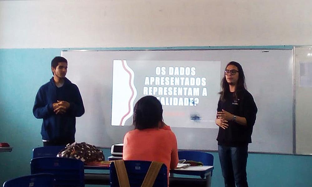 Projeto discute o impacto da internet nas expectativas dos estudantes